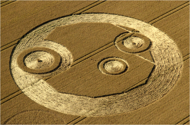 http://www.shropshirelive.com/wp-content/uploads/2012/07/Crop-Circle-Above-Jim-Holmes-Copyright-2012.jpg