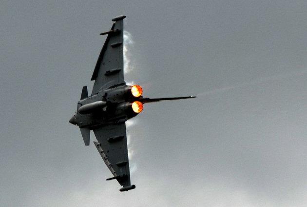 http://www.shropshirelive.com/wp-content/uploads/2013/03/RAF-Typhoon.jpg