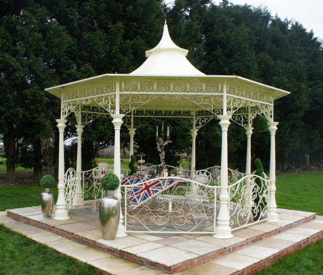 Oswestry company provides Garden Pavilions to Coronation Festival