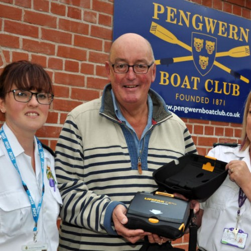 Defibrillators installed at Shropshire rowing clubs