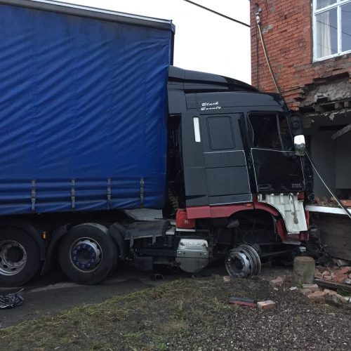 Lorry collides with house on A41 at Shakeford