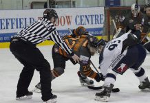 Tigers captain Jason Silverthorn takes a face-off. Photo: Pete Best