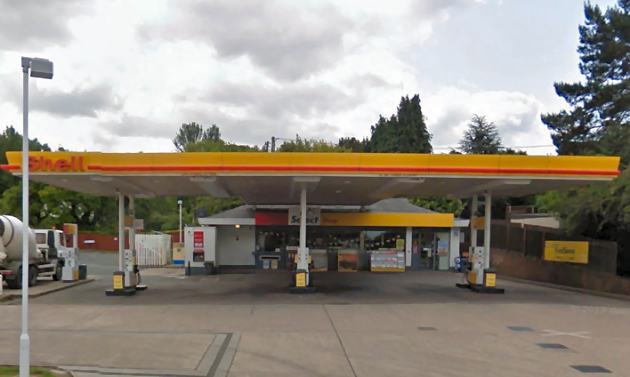 Two men attacked with baseball bat at telford petrol station shropshire live - Find nearest shell garage ...