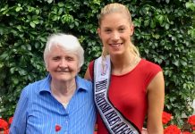 Kate Ball with Jo Barry, a resident at Swan Hill Retirement Home - sponsors of Kate's latest competition entry - was pleased to hear of her success
