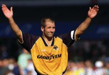 Steve Bull will share stories of his career with Wolves and England at The Shrewsbury Club on November 10