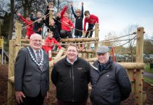 Pictured from left; Mayor of Whitchurch Tony Neville, Creative Play Sales Director David Esser and Cllr Terry O'Neill with the Whitchurch Alport Junior FC team