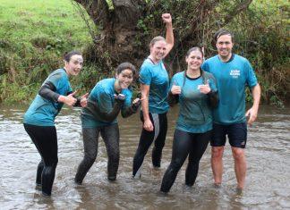 Mud runners Carmen Roldan Blasco, Hollie Cale, Rhea Alton, Rachel Hitchin and Henry's Dad Jacob