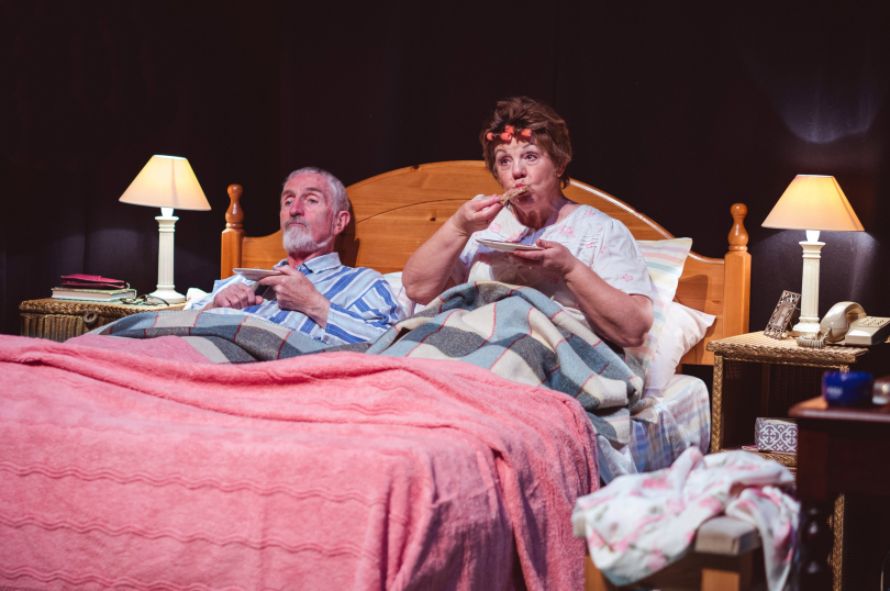 review bedroom farce by shropshire drama company at theatre severn shropshire live. Black Bedroom Furniture Sets. Home Design Ideas