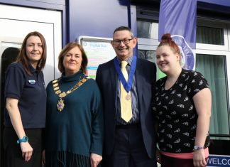 Claire Poulson (Severnside's learning programme and digital inclusion co-ordinator), Mayor of Shrewsbury Jane Mackenzie, Councillor Tony Parsons and local resident Stacey Rigby