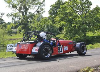 Midland points leader Andy Griffiths away from the start line in his Caterham Seven