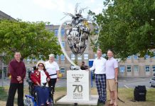 Luke Kite Sculptor, Mrs Wood, Karen Breeze Clinical Specialist Nurse for dementia, Clive Knowles chairman of the British Ironwork centre, Simon Wright Sath chief executive of (The Shrewsbury and Telford Hospital NHS Trust) with the heart sculpture