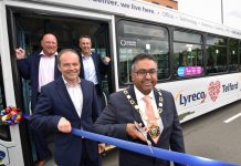 Rob Jones, Peter Hradisky, Gianluca Gibelli and Mayor, Raj Mehta at the launch of the specially-branded Arriva bus