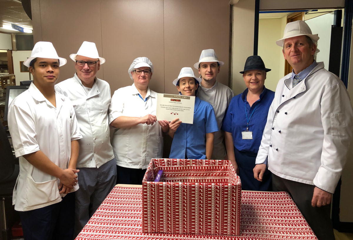 Catering team serve up Christmas treats for hospital patients and