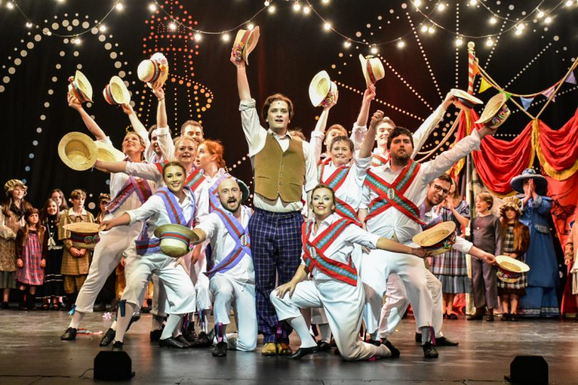 The audience was completely dazzled by hundreds of colourful costumes, pyrotechnics, a whole new Vulgarian language, children, more children, three dogs - and not one, but three cars including an authentic Chitty