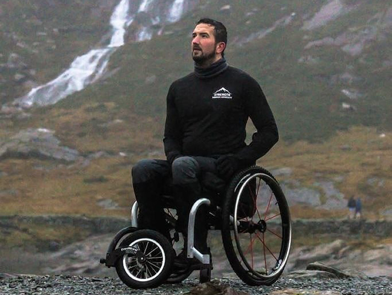 Darren is planning to lead a team of former servicemen in a 1,400km kayaking challenge from Land's End to John O'Groats