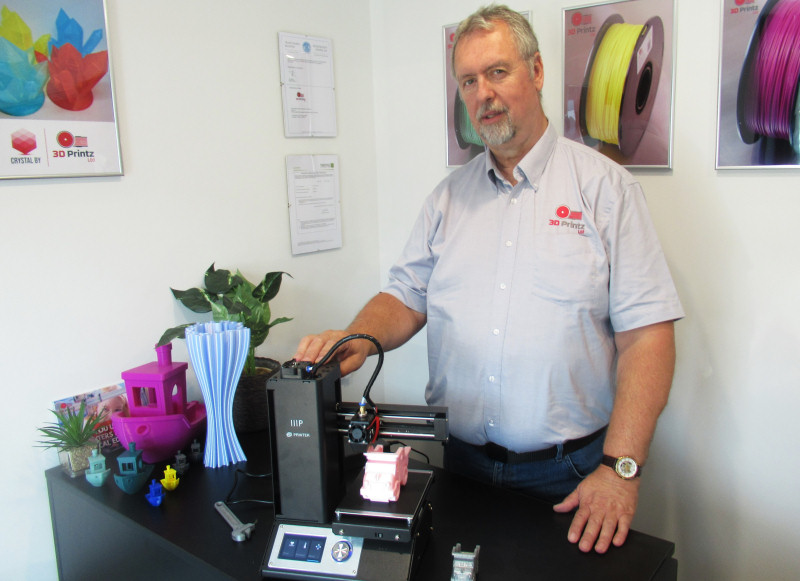 Peter Roberts with the Monoprice printer