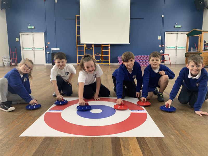 Ellesmere Primary School pupils kurling