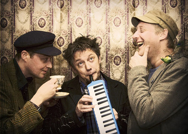 Award-winning modern folk music and storytelling outfit - Harp and a Monkey