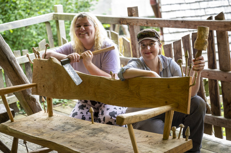 Teresa Bailey, Build a Bench course tutor at Small Woods with a course participant